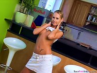 Free Sex Sexy  Susane Toying Her Cunt In Solo Masturbation Vid