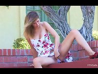 Free Sex Horny Teen Gives An Outdoor Teaser Just For You