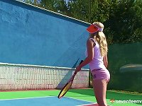 Free Sex Sporty Blonde Solo Model Takes Her Trusted Vibrator To The Court