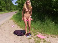 Free Sex Sweet Blonde Chick Spreads Her Legs For An Outdoor Solo Session