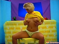 Free Sex Chubby Blonde With Huge Tits Playing With Her Wet Pussy