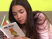 Free Sex Yummy Brunette Teen Starts Feeling Quite Horny While Reading