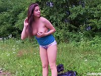 Free Sex Horny Solo Teen Honey Loves Masturbating Outdoors In The Nature Side