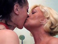 Free Sex Feet And Pee Loving Old And Young Lesbian Bath Nymphos