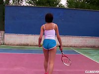 Free Sex Tennis Girl Fingers Her Wet Pussy While Out On The Court